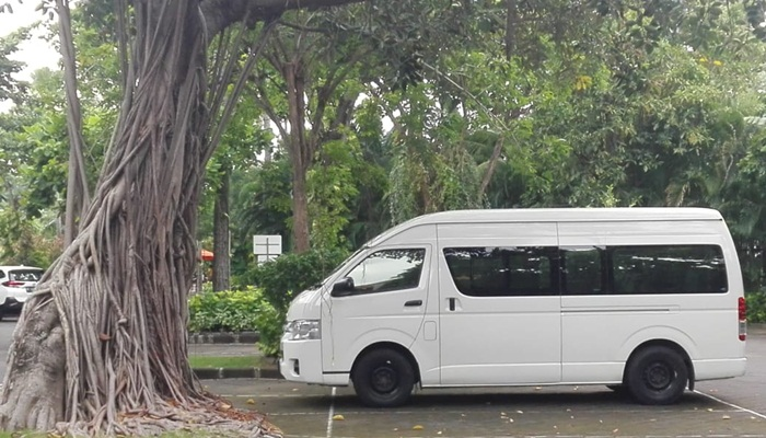 Sewa Mobil Toyota Hiace di Bali