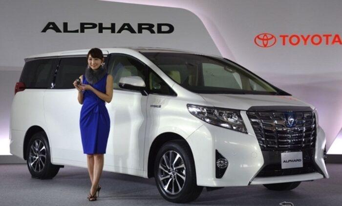 Pilih Mobil Toyota Alphard / Vellfire – Berikut Perbedaanya