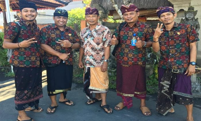 Pemandu Wisata / Tour Guide Berizin di Bali