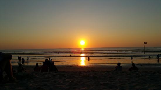 Sore di pantai Kuta