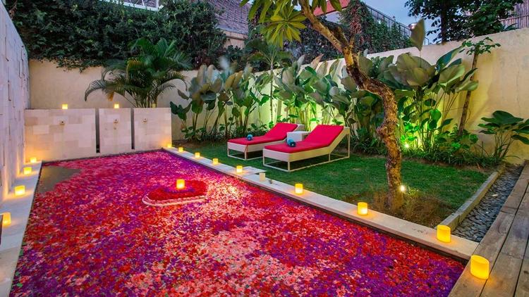 Paket Honeymoon Bali with candle light dinner