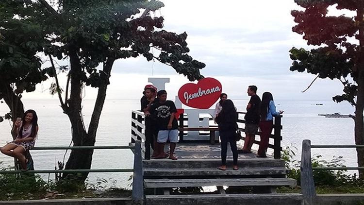 Pantai Candikusuma Jembrana Bali