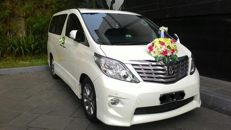Sewa Mobil Alphard di Denpasar