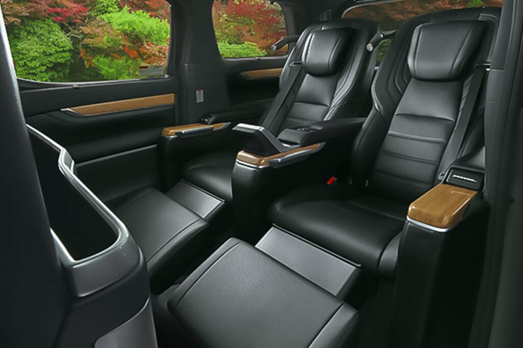 Toyota Alphard Vellfire Royal Lounge Modellista