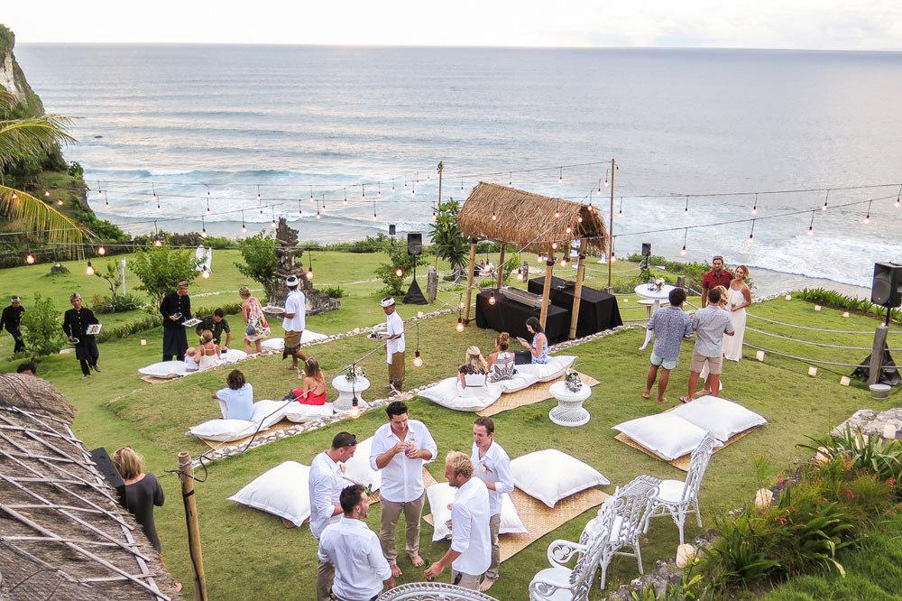 Nikmati Santai di Uluwatu Surf Villas - jejakpiknik.com