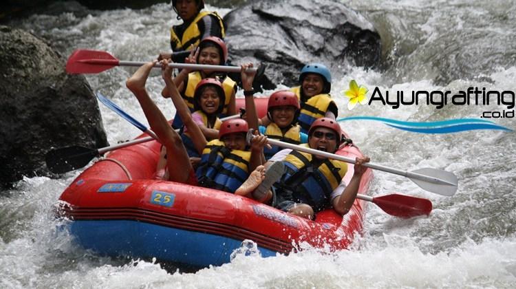 Keunggulan Rafting di Telaga Waja Karangasem dengan Rafting Ayung Ubud